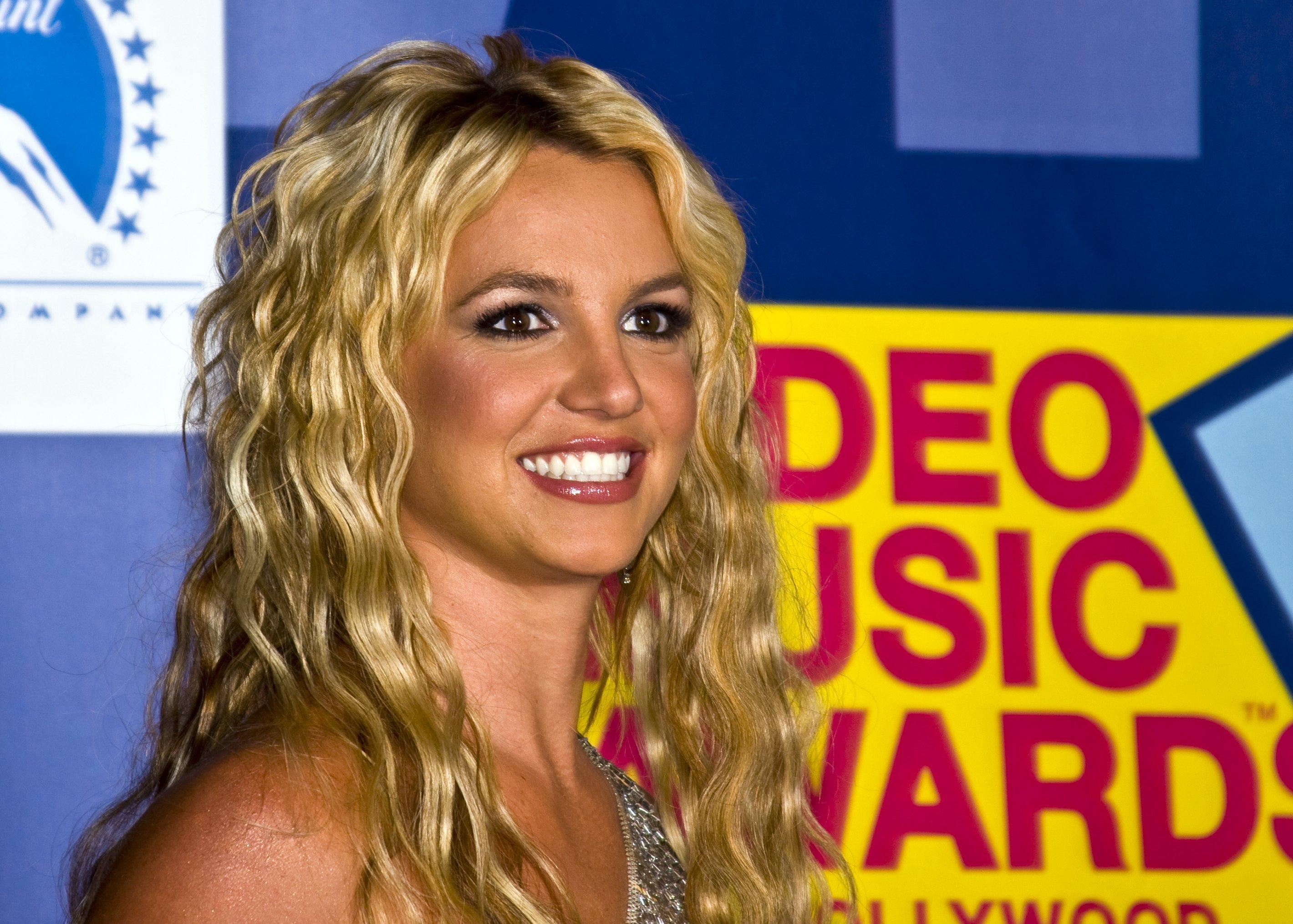 Britney Spears a sunat la numărul de urgenţă 911 pentru a denunţa tutela abuzivă