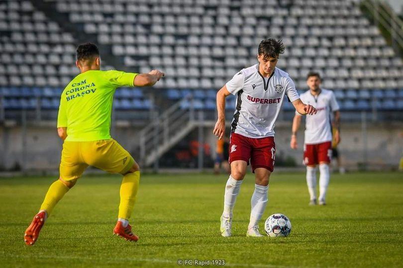 Un fotbalist al echipei Rapid București a reușit să promoveze Bacalaureatul cu nota 10