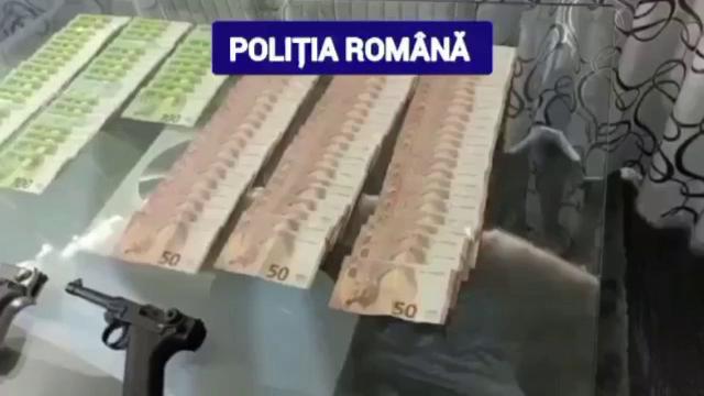 Cinci indivizi din Dâmbovița, duși la audieri, după ce polițiștii i-au prins în timpul unei partide ilegale de poker
