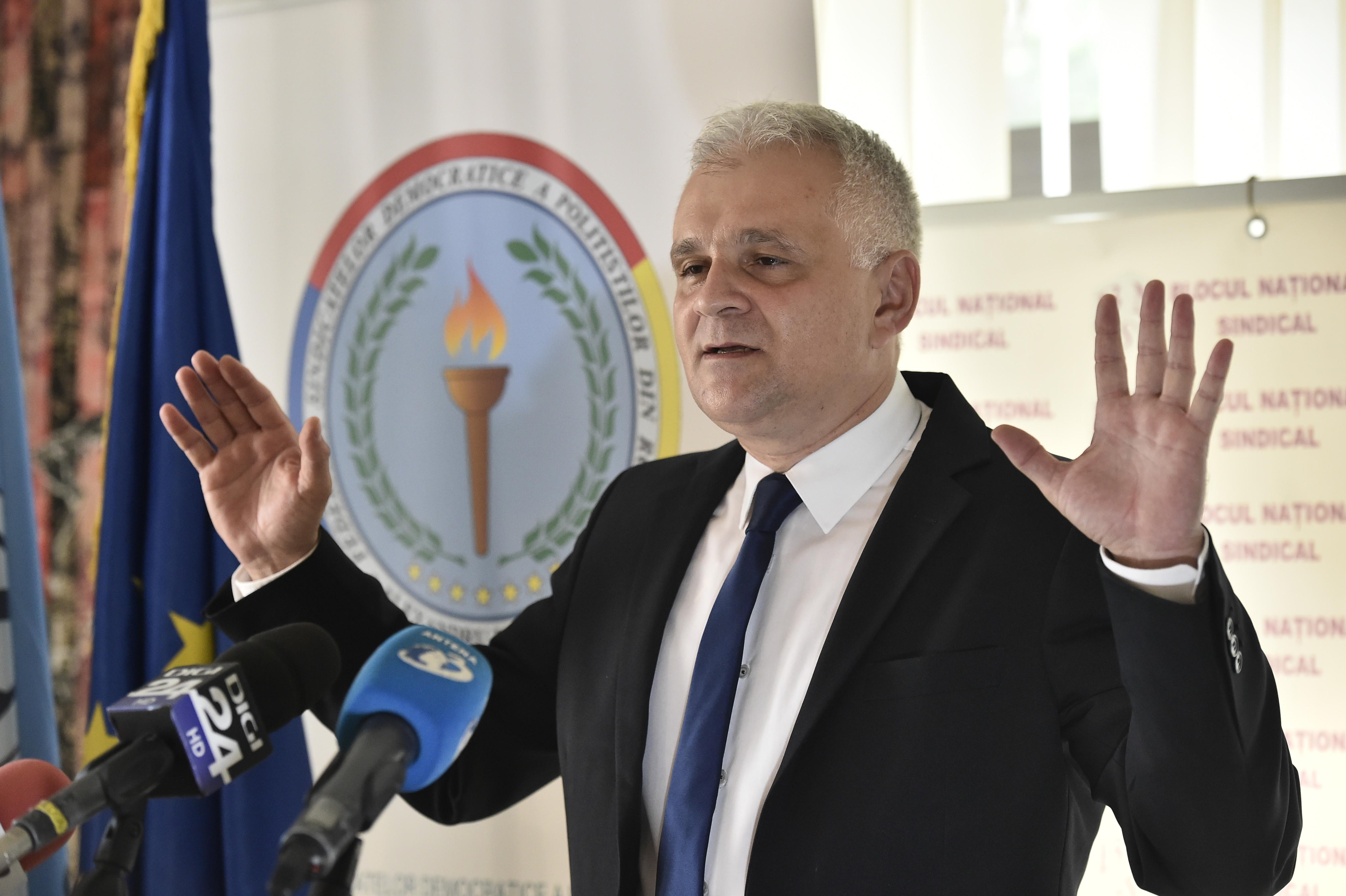 """Fost purtător de cuvânt al Poliției Capitalei, amendat cu 6000 de lei: """"Rușine, Christian Ciocan"""". Reacția MAI"""