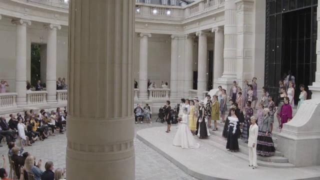 Casa de modă Chanel și-a prezentat noua colecție toamnă-iarnă la Paris