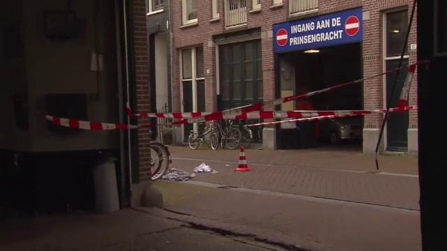 Trei suspecți, arestați în cazul jurnalistului împușcat în Olanda. Peter de Vries este în stare gravă