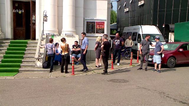 Angajații Operei Naționale Iași au protestat, după ce s-a anunțat că Beatrice Rancea va reveni în fruntea instituției