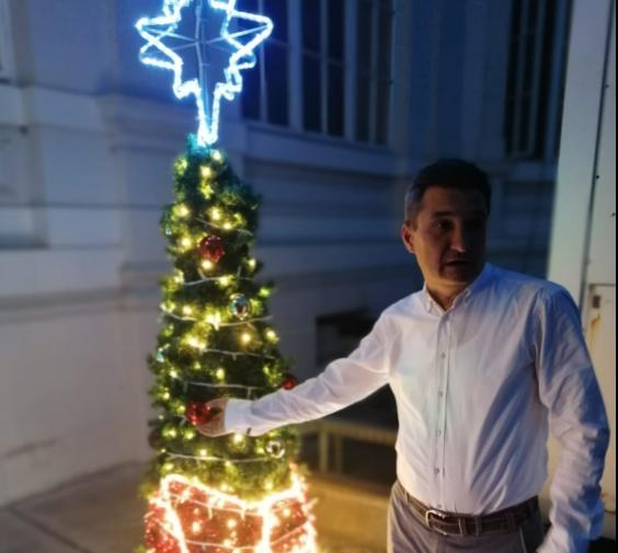 """Primarul din Arad cumpără brad de Crăciun: """"Nu, n-a venit Crăciunul, dar ne pregătim"""""""