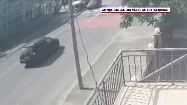 Accident grav în Galați. O tânără care a traversat în fugă pe zebră, lovită în plin de o mașină