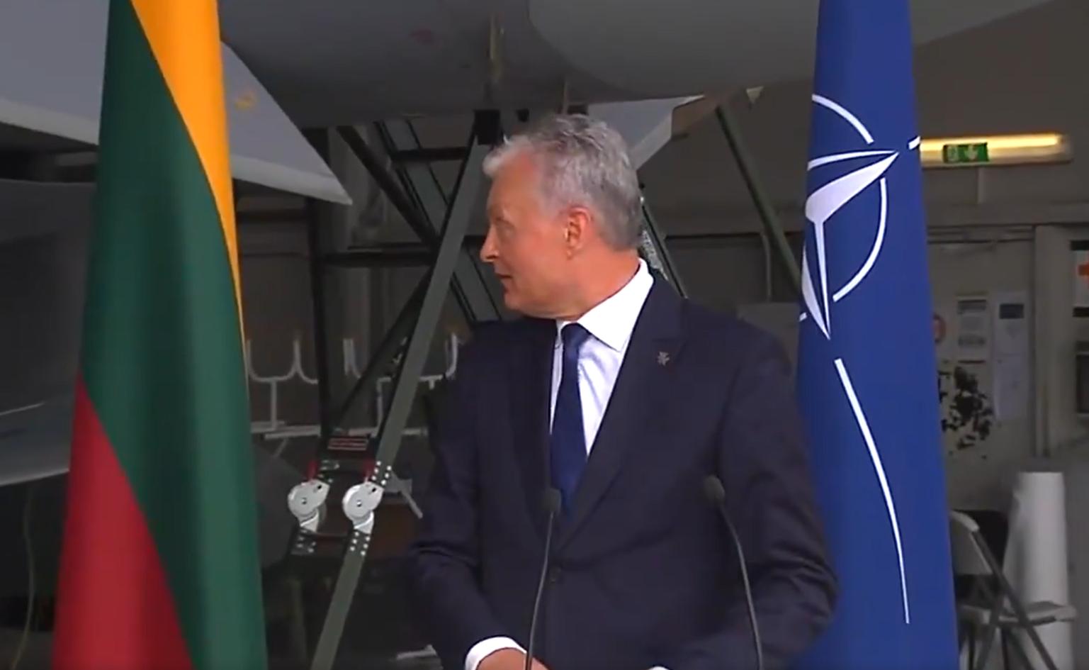 Alertă într-o bază NATO, din cauza unui avion rusesc. Premierul Spaniei și președintele Lituaniei, evacuați