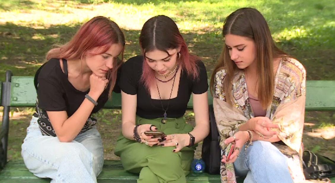 Cinci adolescente din București au creat o aplicație și au câștigat un concurs european. Cum funcționează