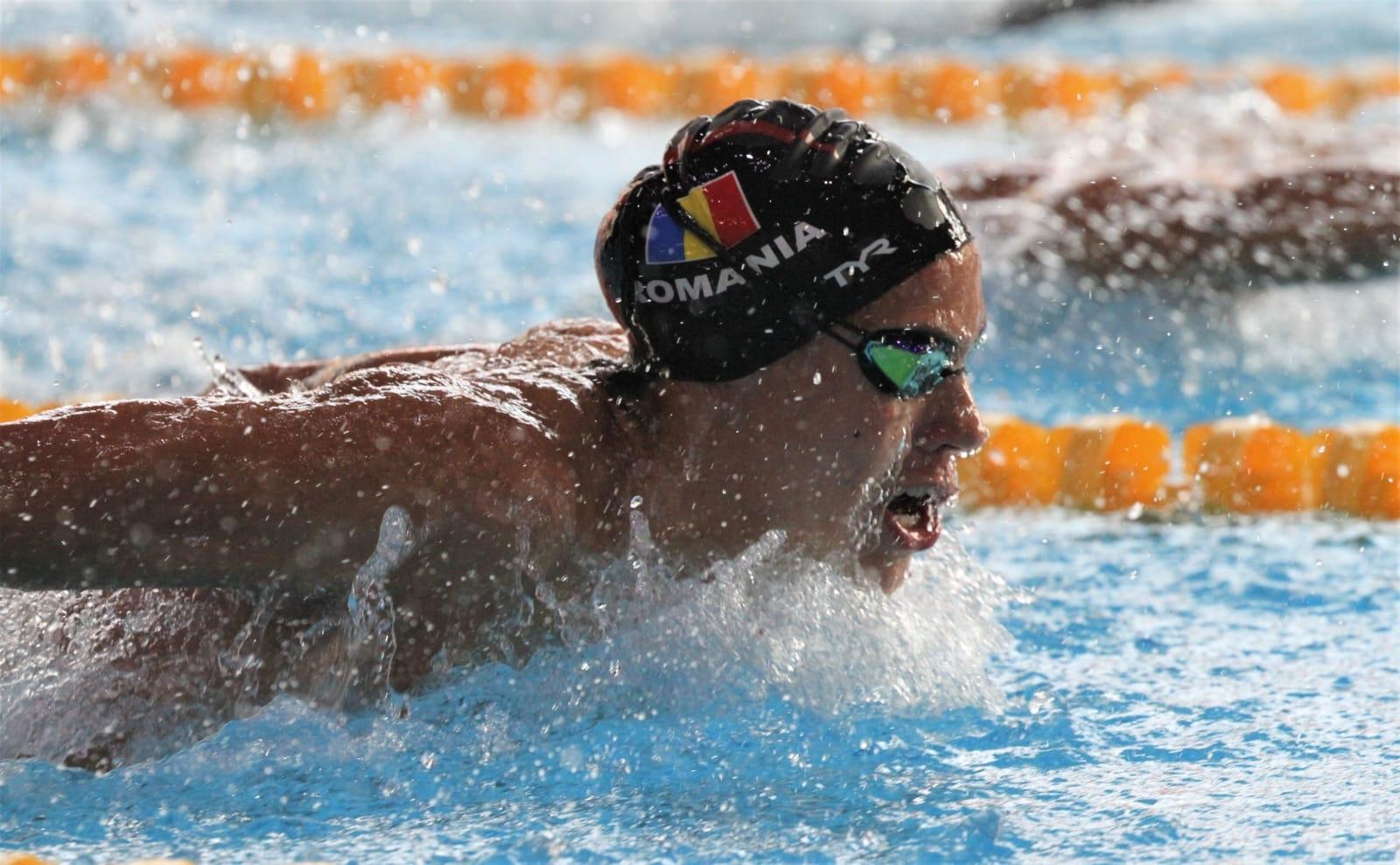 David Popovici, numit înotătorul fenomen al României, a doborât un record mondial