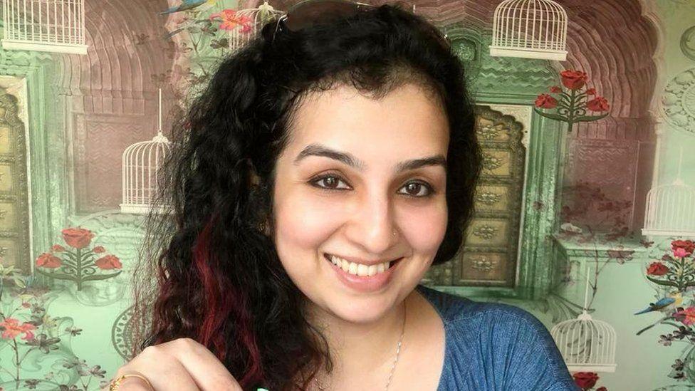 """Scandal în India: Femeile musulmane indiene sunt """"de vânzare"""" pe o aplicație"""