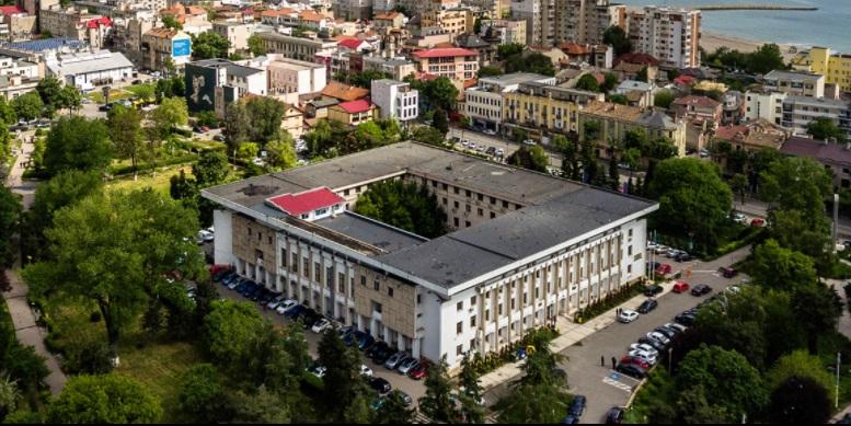 O femeie din Constanța este obligată să își dărâme balconul. Inițial, fusese condamnată la închisoare