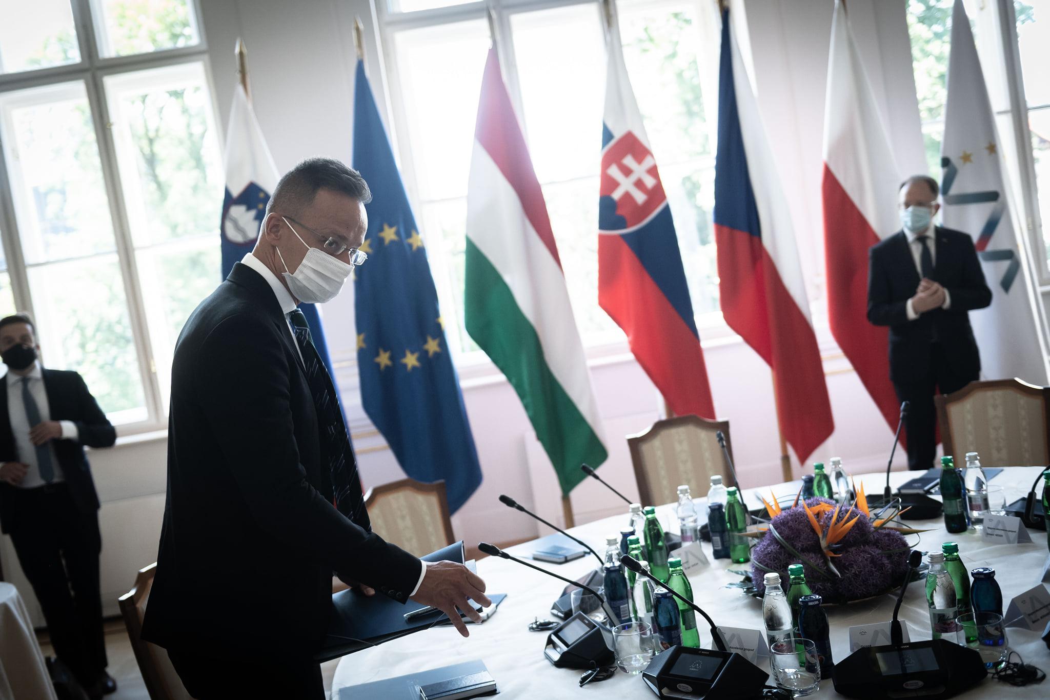 Ministrul de Externe al Ungariei: Comisia de disciplină a UEFA este o entitate jalnică şi laşă