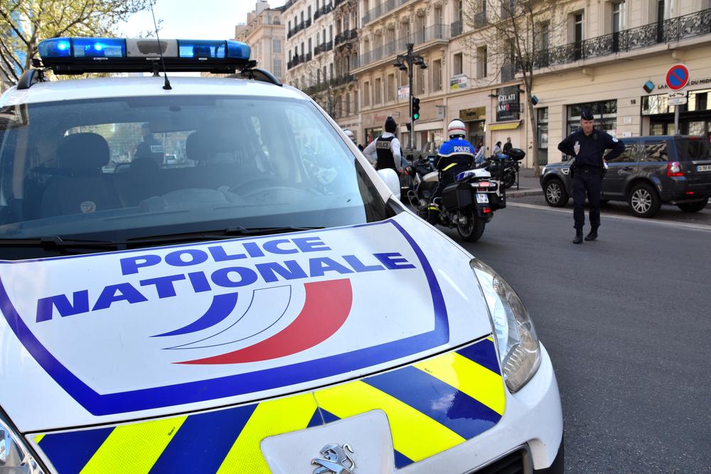 Turist spaniol, rănit cu cutterul în apropierea primăriei din Paris. Agresorul ar fi român