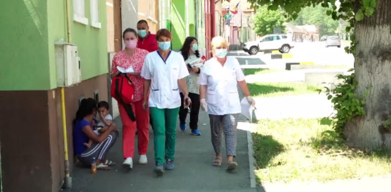 Vaccinarea la sat. Noi centre deschise și caravană pentru cei care nu se pot deplasa
