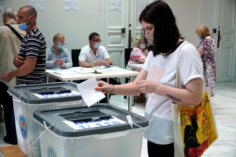 Alegeri parlamentare în R. Moldova. Rezultate preliminare: PAS- 45,30%, BECS- 31,89%