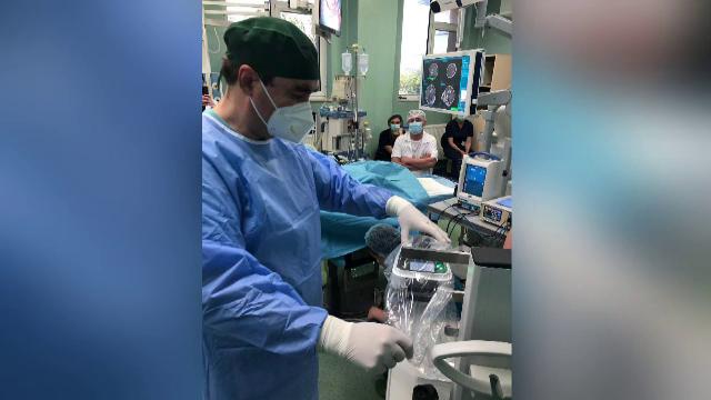 Premieră în medicina românească. Operație pe creier cu ajutorul unui robot de chirurgie craniană, realizată la Iași