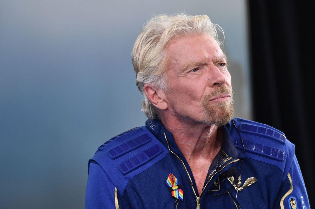 A ajuns sau nu Branson în spațiul cosmic? Declarații contradictorii după zborul miliardarului