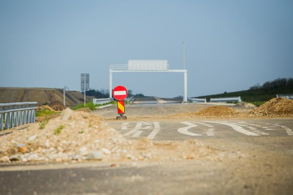 Criza mondială a materialelor de construcții lovește România în puncte esențiale: infrastructură și construcția de autostrăzi