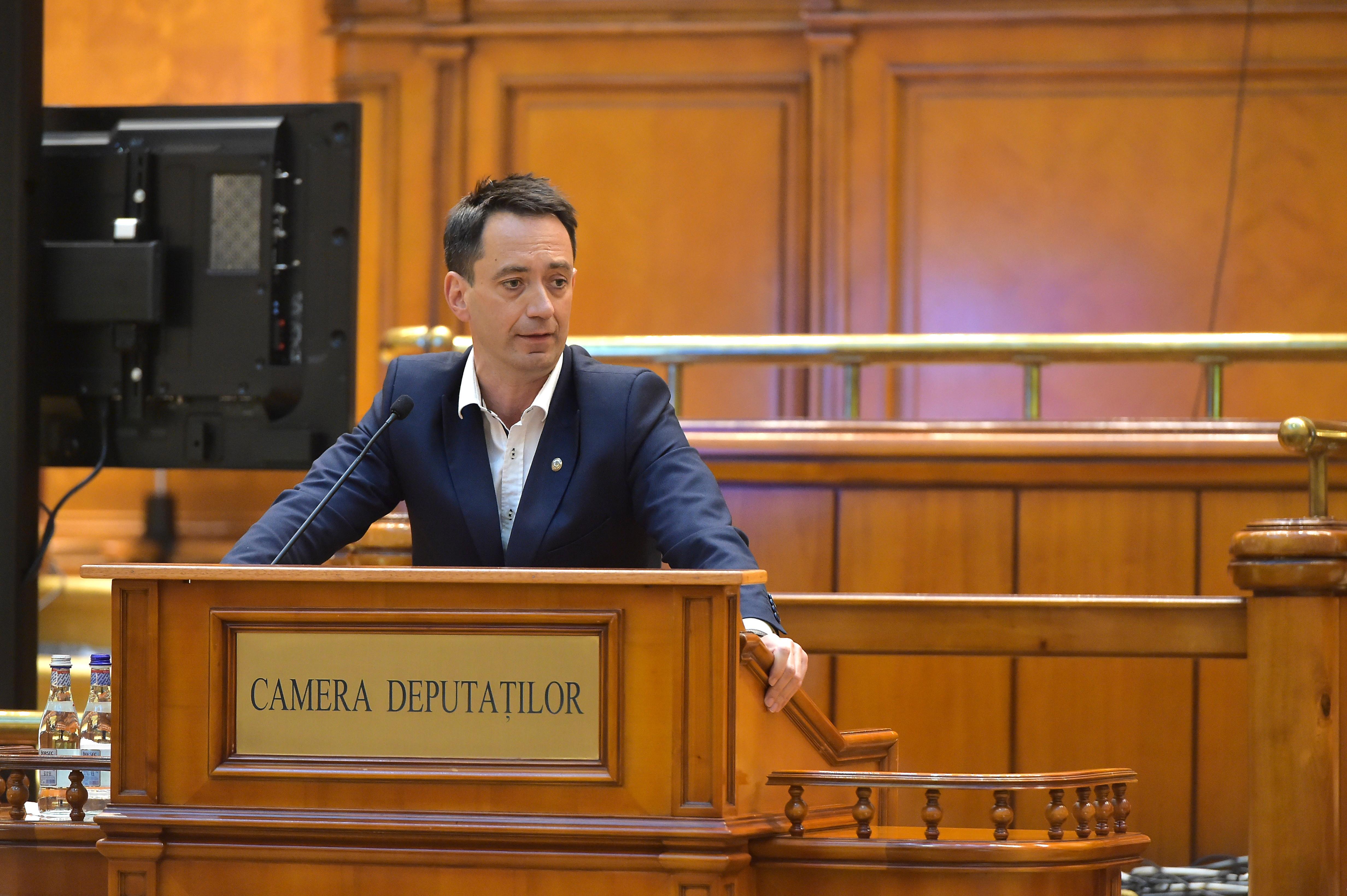Liderul deputaţilor UDMR: Ministrul Justiţiei alunecă spre stalinism. Dan Barna a intrat în acest delir