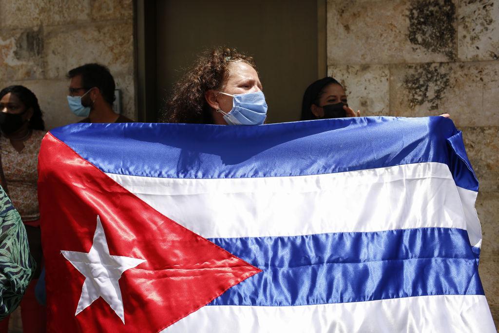 Uniunea Europeană susţine manifestaţiile din Cuba şi cere autorizarea acestora