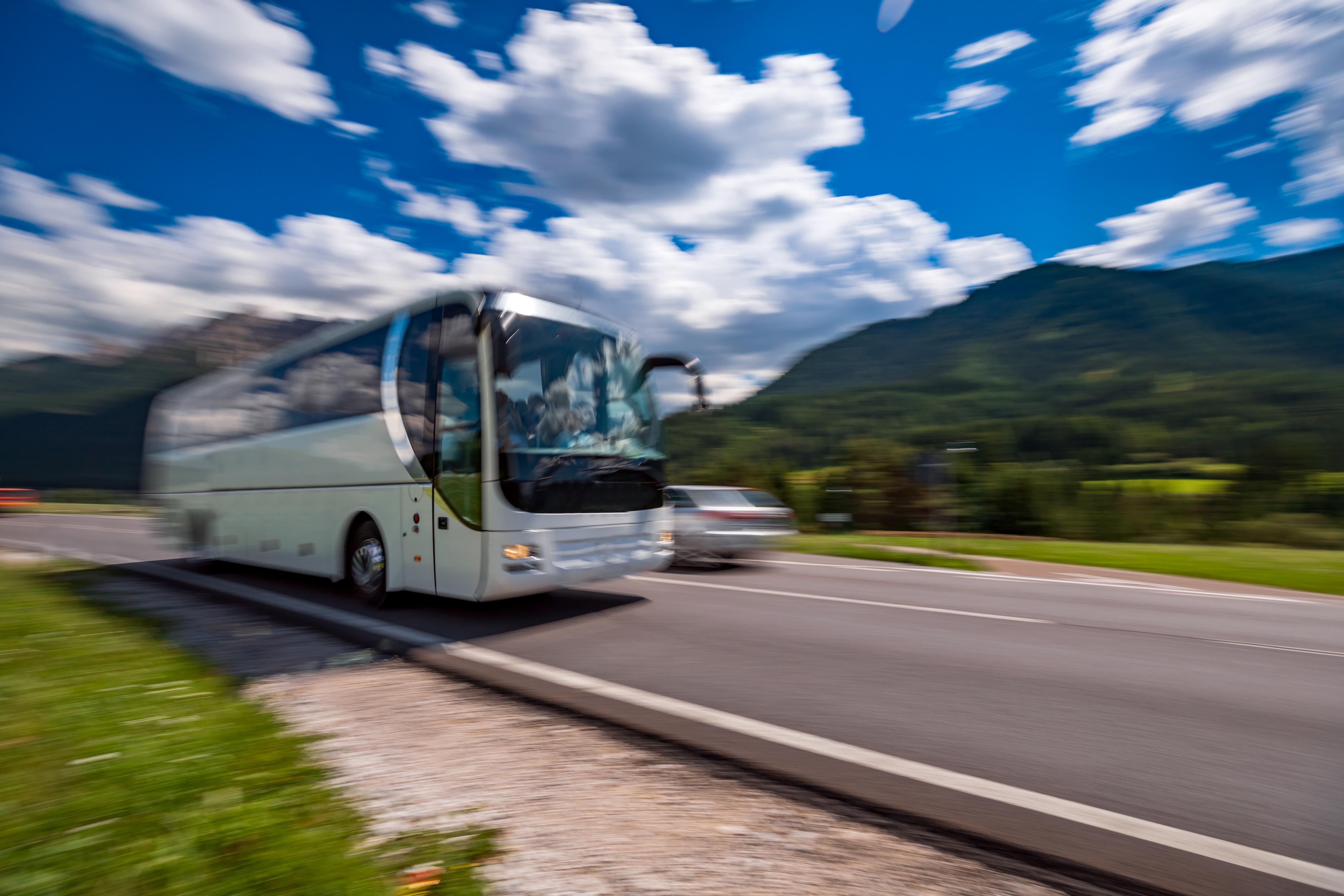 Un şofer de autobuz din Italia a salvat 25 de copii din autovehiculul cuprins de flăcări