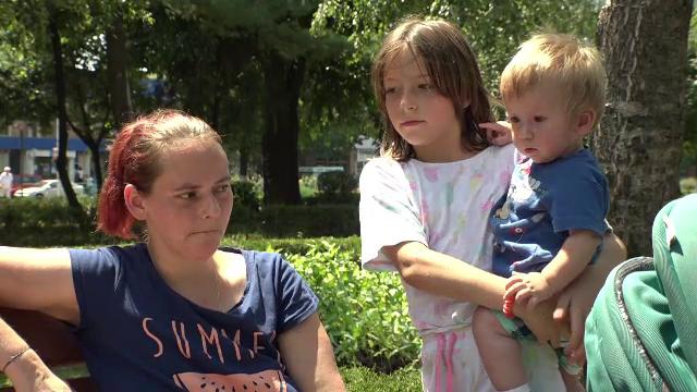 Părinții au o vară complicată din cauza crizei acute a locurilor în creșele de stat. Cum încearcă să-i ajute parlamentarii