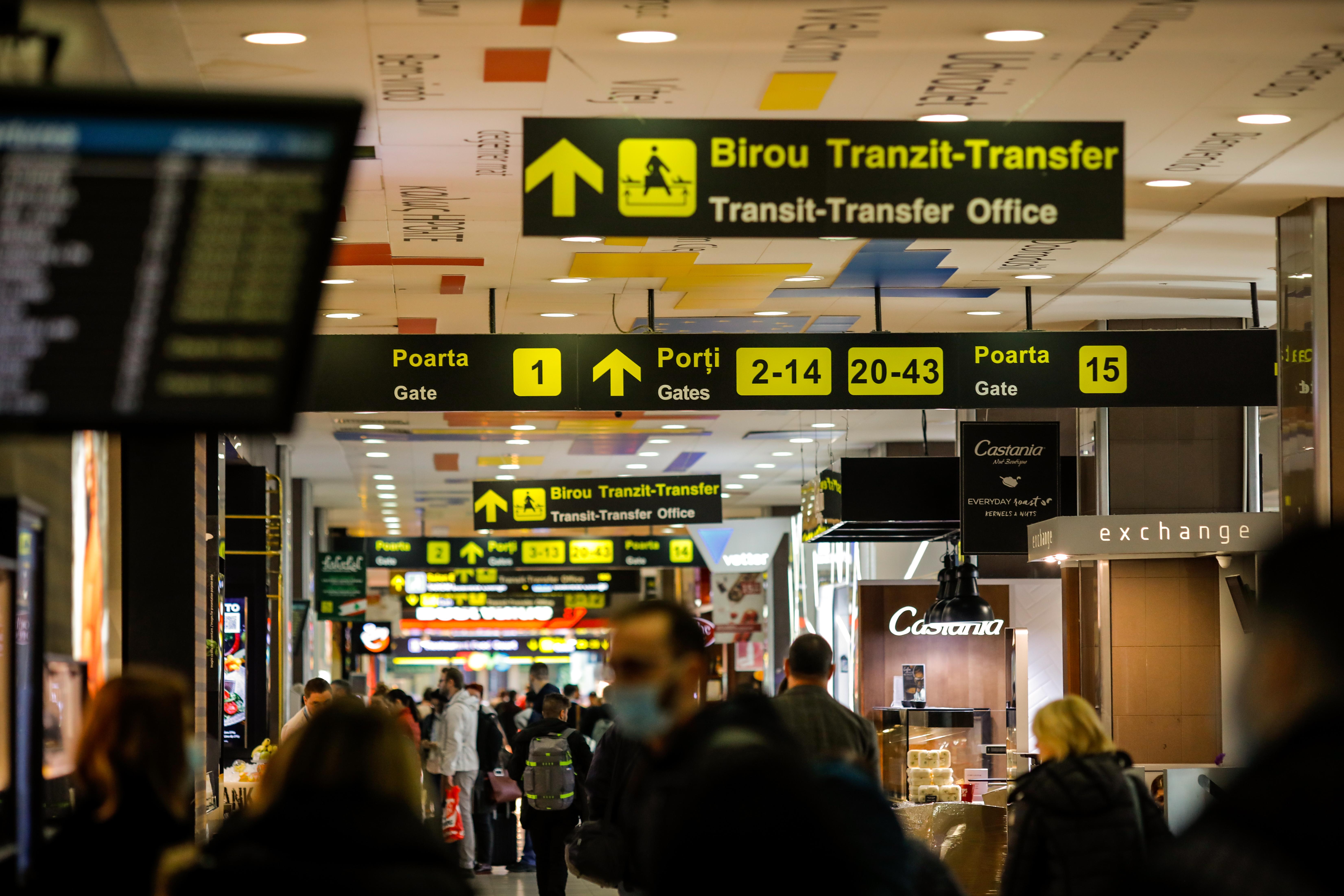 Pasagerii cu certificat digital european nu mai trec prin controlul DSP din aeroport