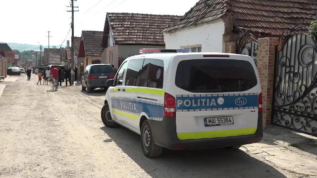 Descinderi în Alba, la persoane acuzate că dezmembrau ilegal mașini și incendiau ce nu puteau vinde