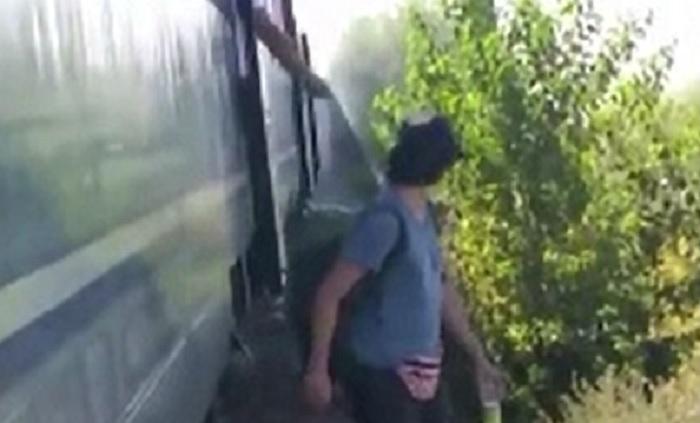 Panică într-un tren care se îndrepta spre litoral. Pasagerii au fost evacuați de urgență