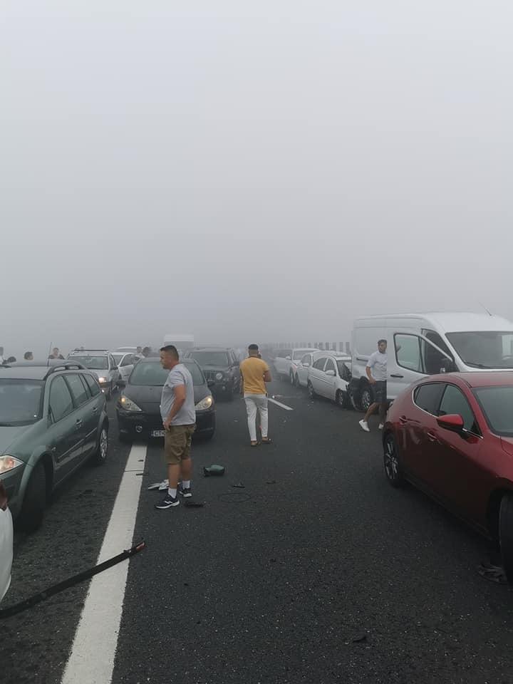Carambol pe A2, pe sensul București- Constanța. Peste 50 de mașini au fost implicate