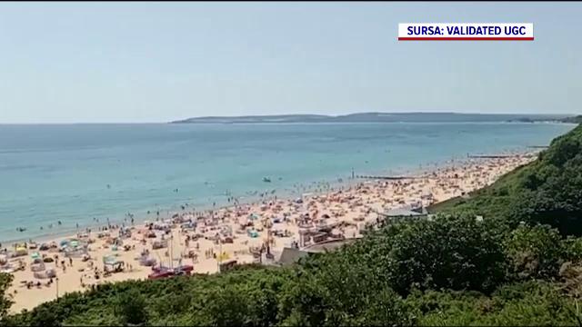 Sute de britanici au luat cu asalt plajele, în contextul unor temperaturi de peste 30 de grade Celsius