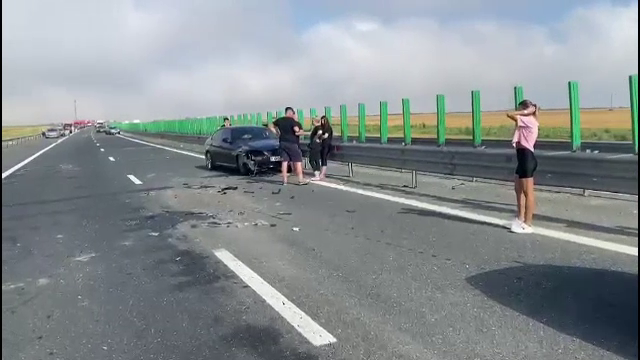 Un nou accident a avut loc pe A2. Două mașini s-au ciocnit, iar circulația este îngreunată