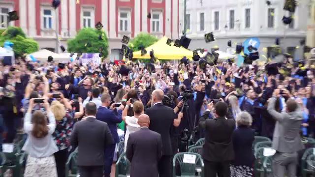 Momente emoționante la Timișoara. Studenții din anii terminali s-au reîntâlnit după un an și jumătate de cursuri online