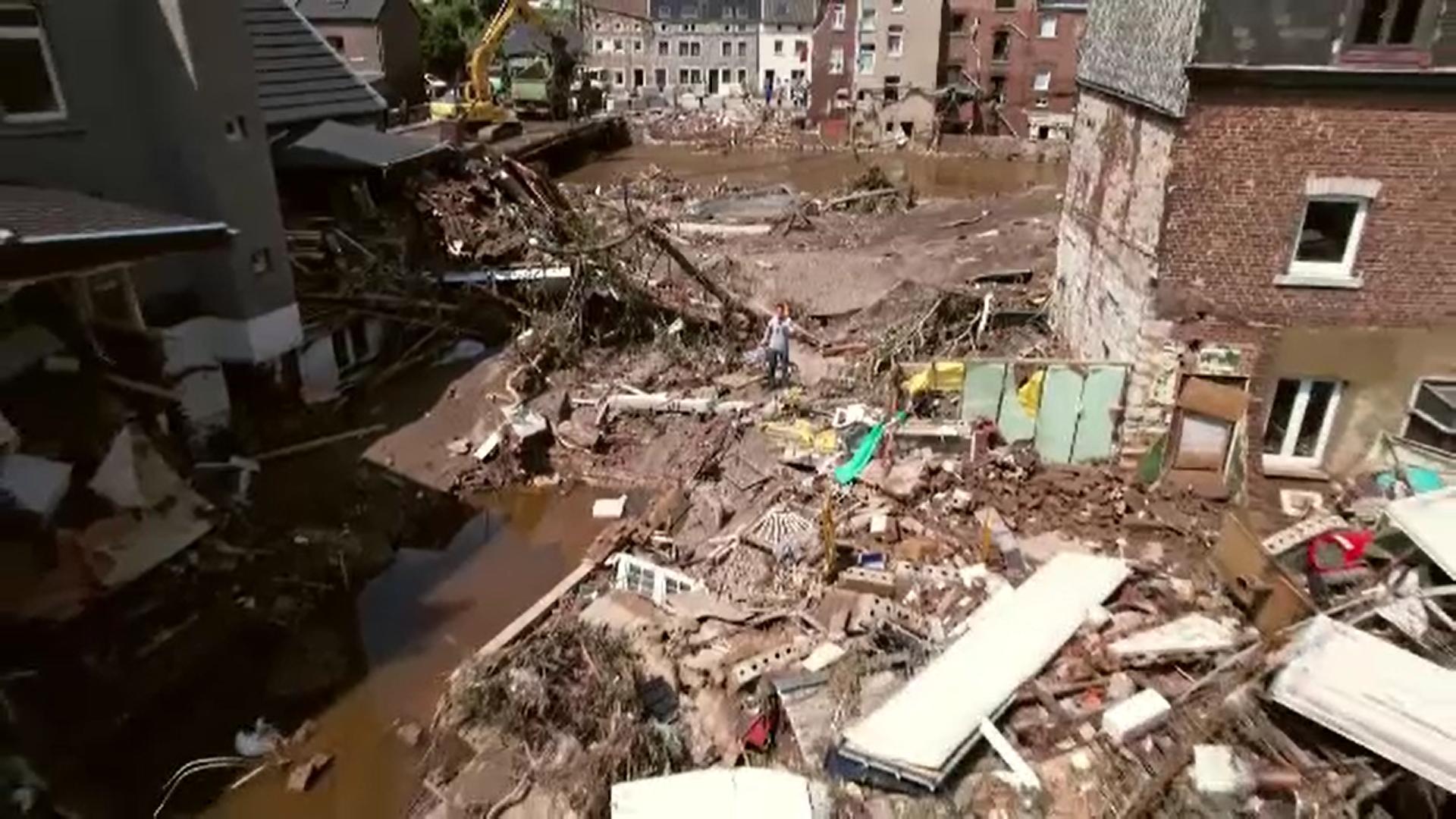 Coşmarul inundaţiilor continuă în vestul Europei. O viitură puternică a lovit un oraş din regiunea Salzburg