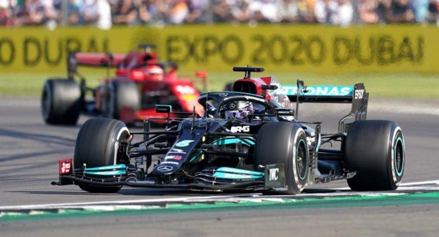 Penalizat cu zece secunde, Lewis Hamilton câştigă spectaculos MP al Marii Britanii