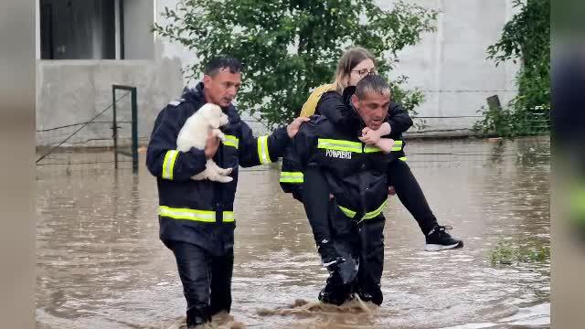 România, împărțită între furtuni violente și un val de căldură african. Fenomenele extreme vor continua