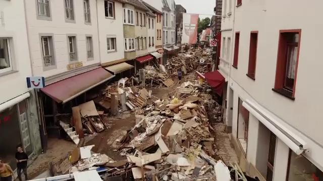 Dezastrul lăsat de inundațiile din Germania și Belgia ar fi putut fi evitat măcar parțial, dacă existau avertizări