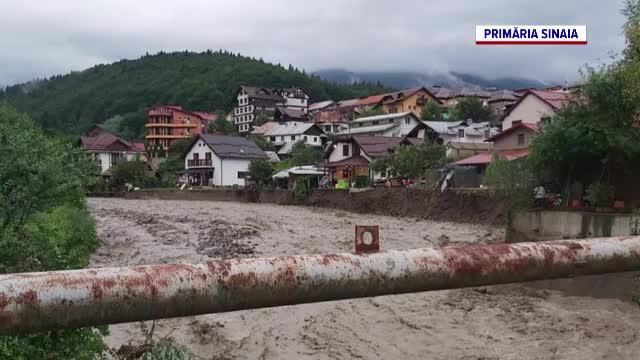 Ploile și furtunile au făcut prăpăd în Transilvania și nordul Moldovei. Valea Prahovei, grav afectată