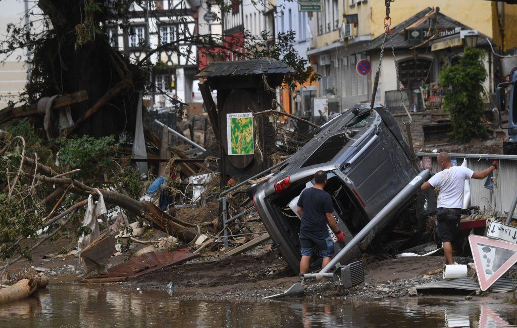 """Analiză AFP: De ce inundaţiile din Europa sunt atât de devastatoare? """"Pământul devine din ce în ce mai cald"""""""