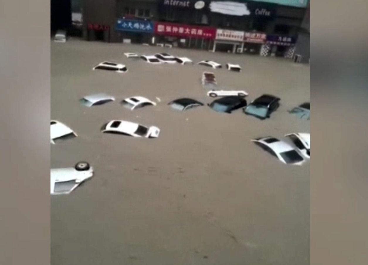 China, afectată de inundații puternice. Zeci de orașe sunt sub ape