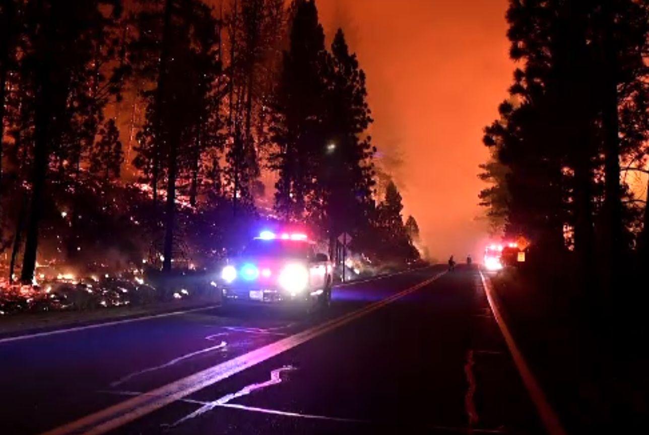 Vestul Statelor Unite, pârjolit de incendii uriașe. S-au format tornade, iar fumul a ajuns la New York