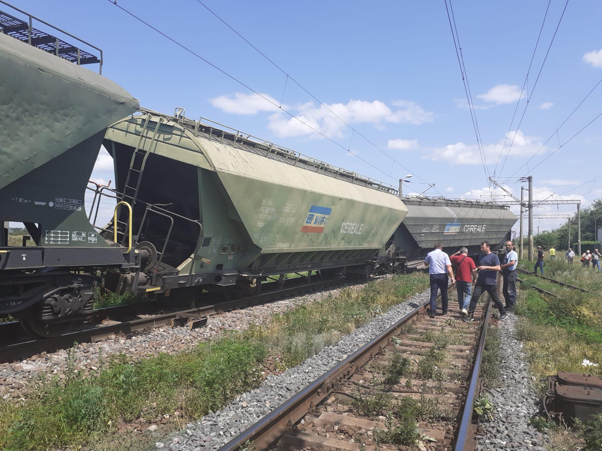 Tren deraiat în apropiere de Feteşti. Întârzieri de peste 200 de minute pe ruta Bucureşti - Constanța