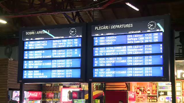Circulaţia feroviară a fost redeschisă între Bucureşti şi Constanța. Se circulă pe un singur fir în zona Fetești