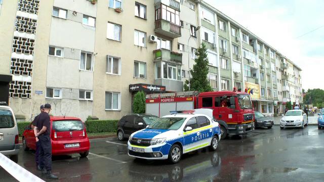 Alertă în Pitești. O valiză suspectă a fost găsită într-un bloc din centrul orașului
