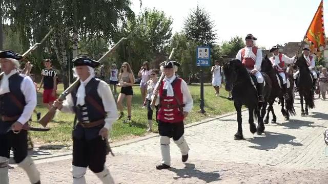 Cetatea din Alba Iulia revine la viață. Ceremonia de schimbare a gărzii a fost reluată după un an