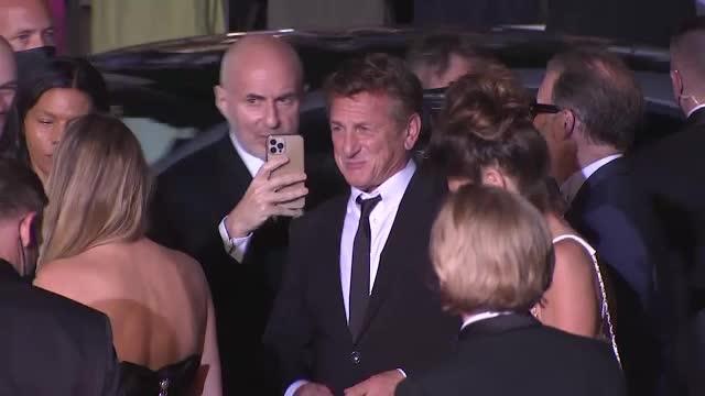 Sean Penn refuză să continue filmările pentru un nou serial dacă echipa nu este vaccinată