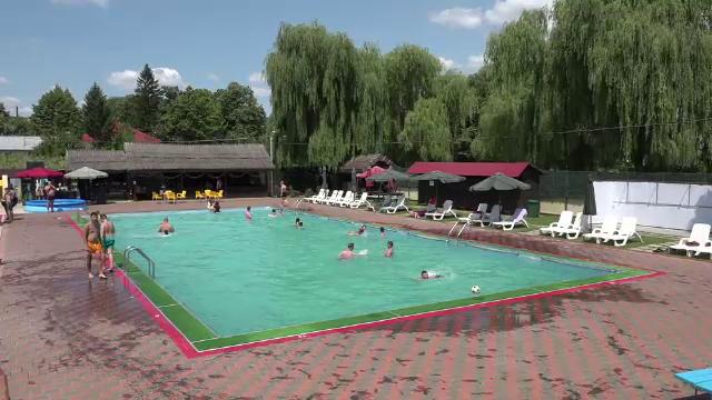 Efectul neașteptat pe care l-a avut deschiderea unei piscine într-o comună din Vaslui