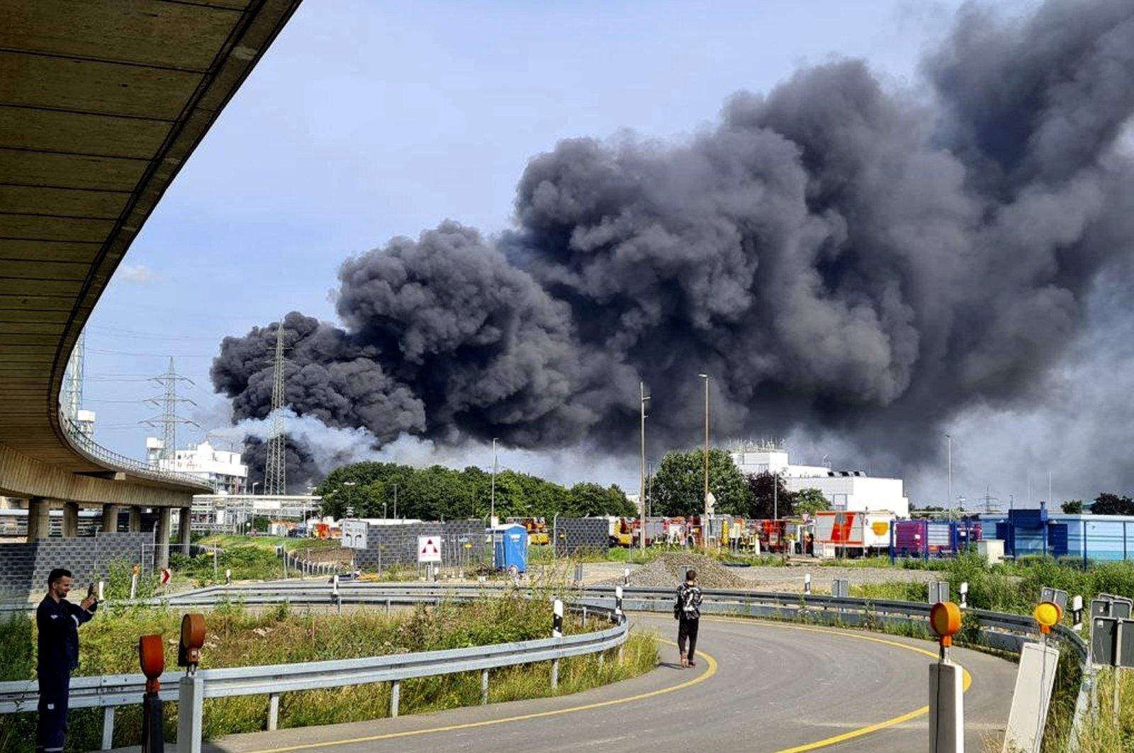 Cinci dispăruţi şi câţiva răniţi în urma exploziei dintr-un parc industrial din Leverkusen
