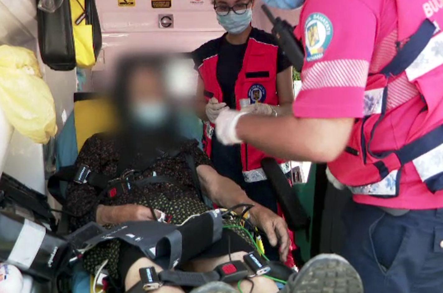 România, lovită de caniculă. Sute de persoane au leșinat pe stradă și au avut nevoie de intervenția medicilor
