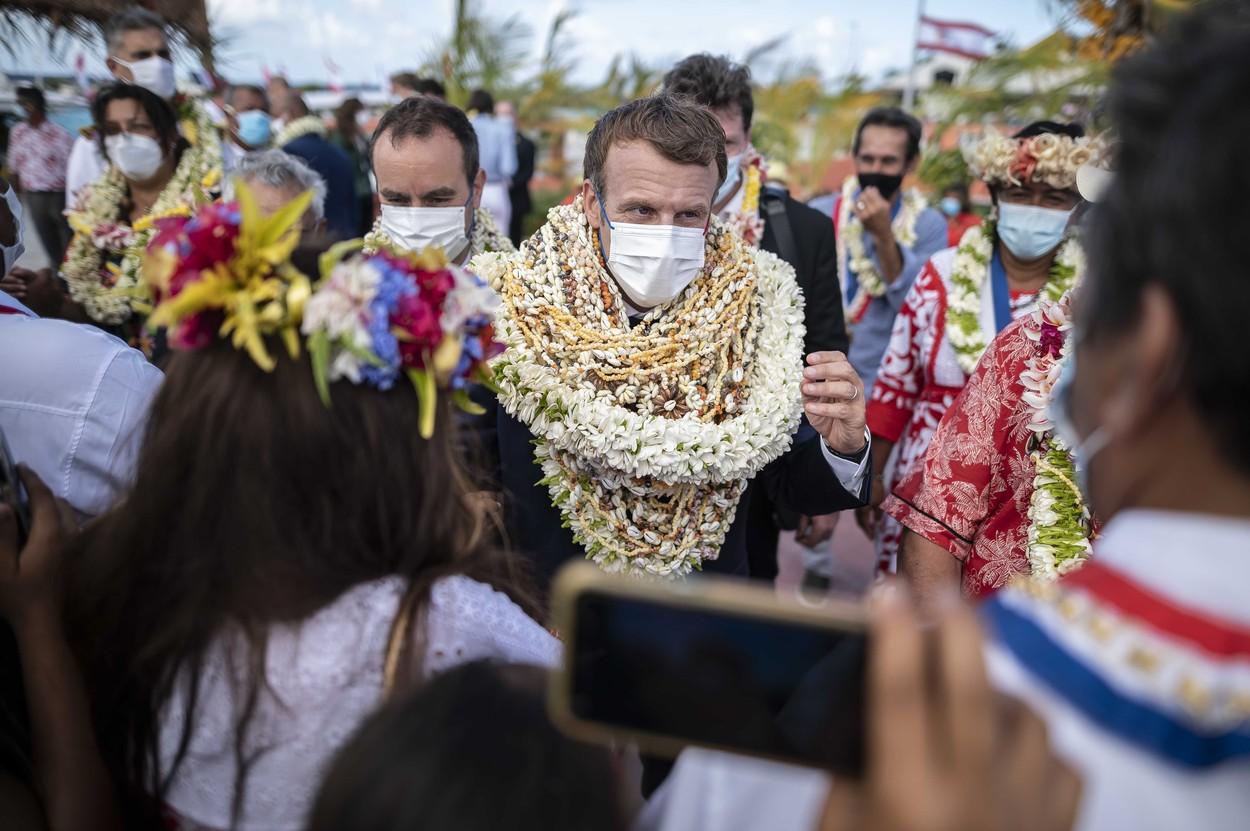 Imagini incredibile cu Emmanuel Macron. Președintele Franței a fost
