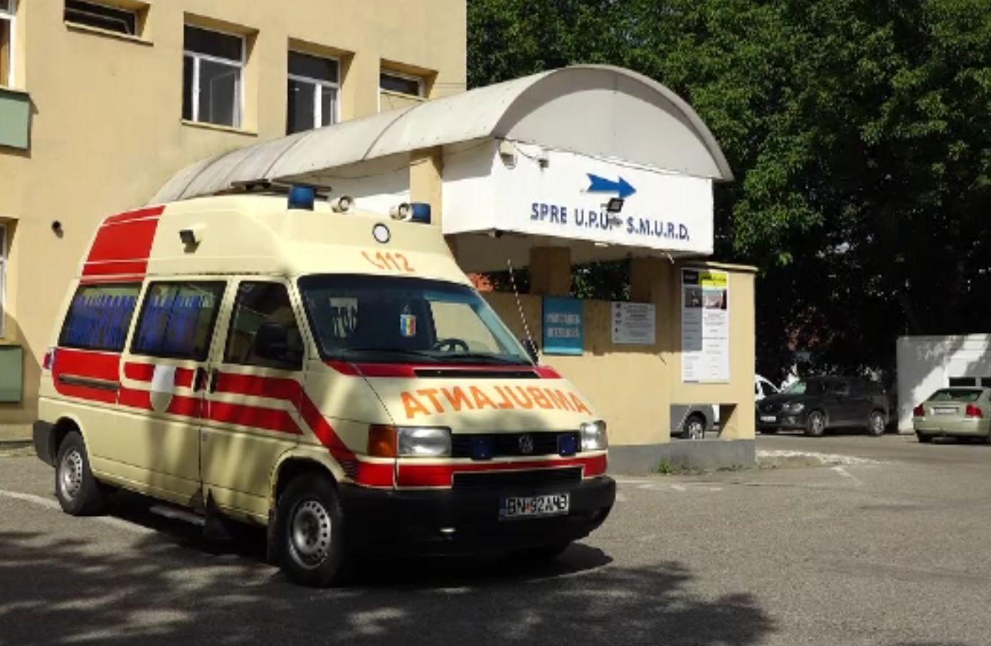 Mâncarea bolnavilor de la Spitalul Județean Bistrița, completată cu bani din publicitate. Cum funcționează ideea inedită